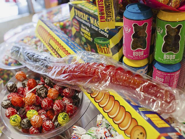 Food-Its-Sugar-Gummy-Worm-crLauraZastrow-05262016.jpg