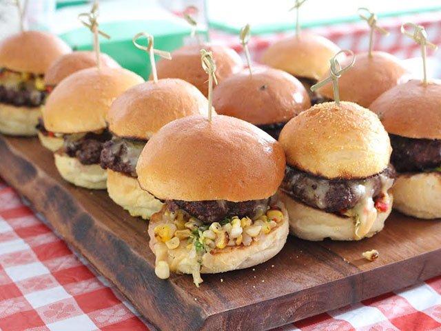 Food-Eats-Events-Burgers-Brew-06022016.jpg