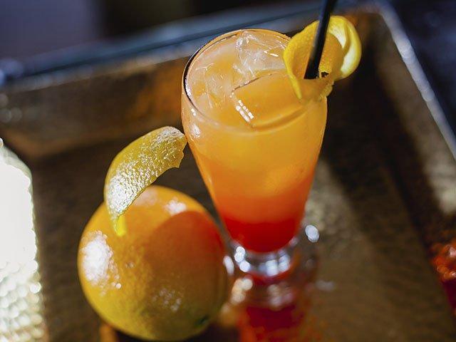 Cocktail-Gibs-Safe-Harbor-Sunrise-crLauraZastrow-06092016.jpg