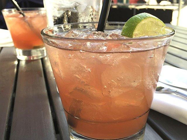 Cocktail-DLUX-crCarolynFath-07072016.jpg