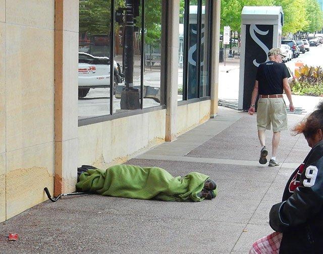 Madland-Homeless-crDMM-07082016.jpg