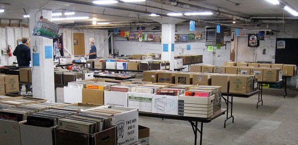 music-vinyl-cave-local-shops-20091105.jpg