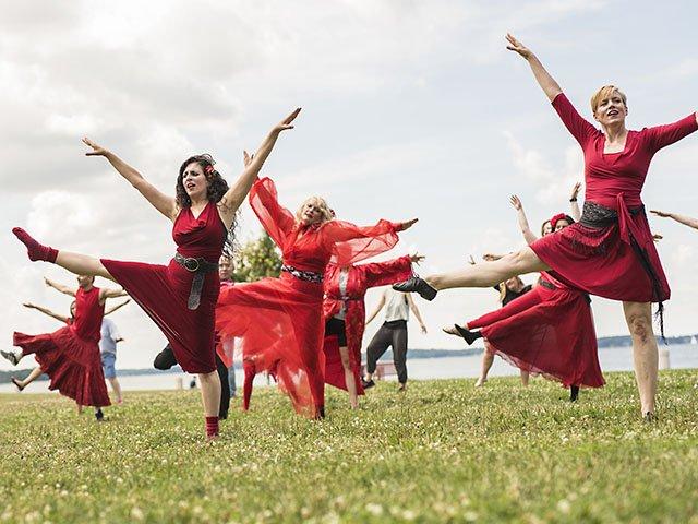 Snapshot-Kate-Bush-Dance-crSarahRoseSmiley-07212016.jpg