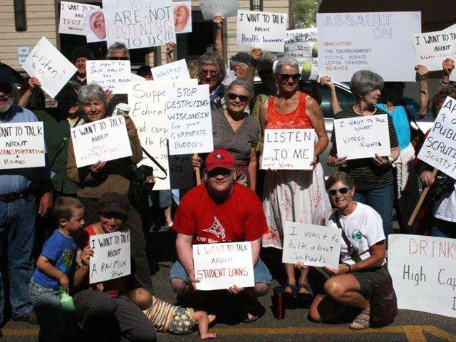 News-Pepin-Protesters-crxxxxx-07212016.jpg