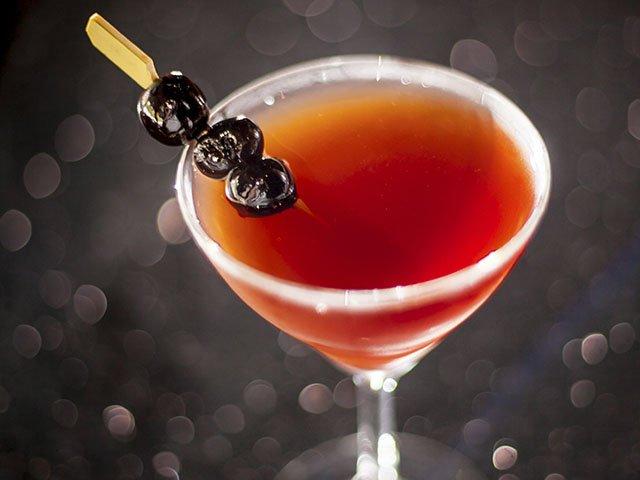 Cocktail-Rare-Manhattan-crLauraZastrow-08182016 (2).jpg
