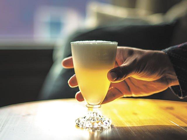 Cocktail-Gibs-crRataj-Berard-09012016.jpg