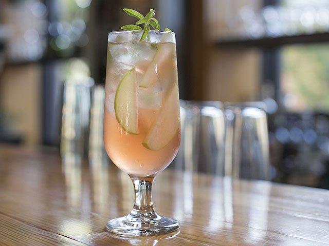 Cocktail-Nostrano-Sangria-Bianca-crBethSkogen-09152016.jpg