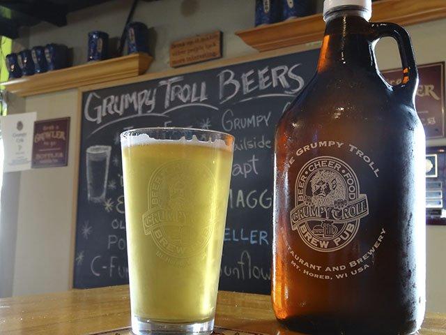 Beer-Grumpy-Troll-Keller-Brau-crRobinShepard-09282016.jpg