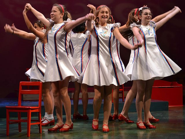 Stage-American-Girls-Revue-10112016.jpg