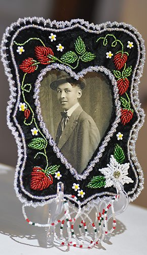 Art-WebsterLoretta-picture-frame-aside-10202016.jpg