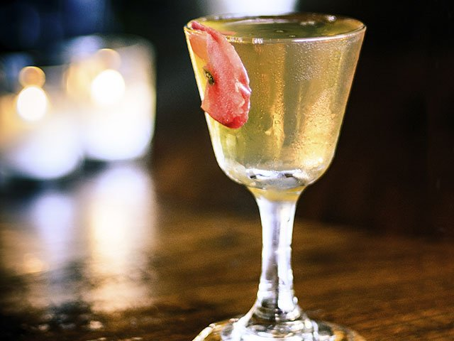 Food-American-Pie-Cocktail-crRyanWisniewski-10202016.jpg