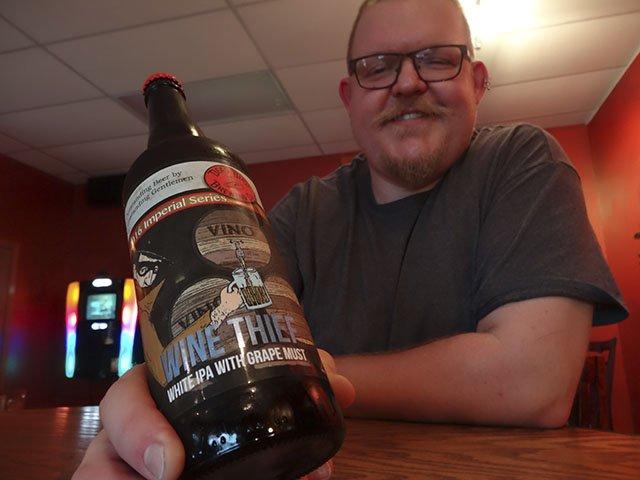 Beer-Dead-Bird-Brewing-crRobinShepard-11022016.jpg