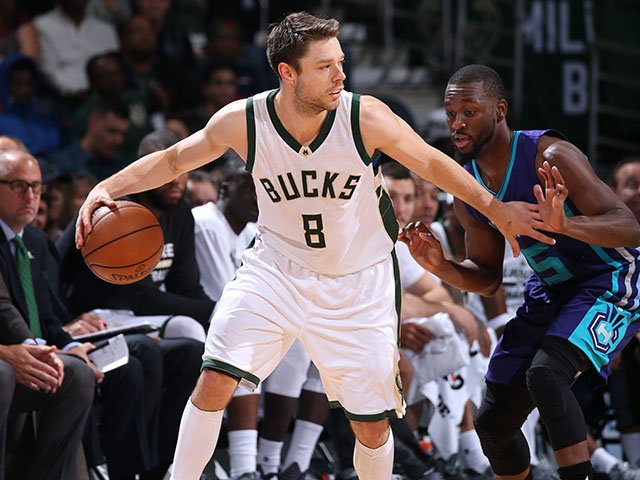 Sports-DellavedovaMatthew-Bucks-crMilwaukee BucksNBAE-11032016.jpg