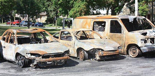 News-Burned-Cars-crAlejandroAlonsoGalva-11102016.jpg