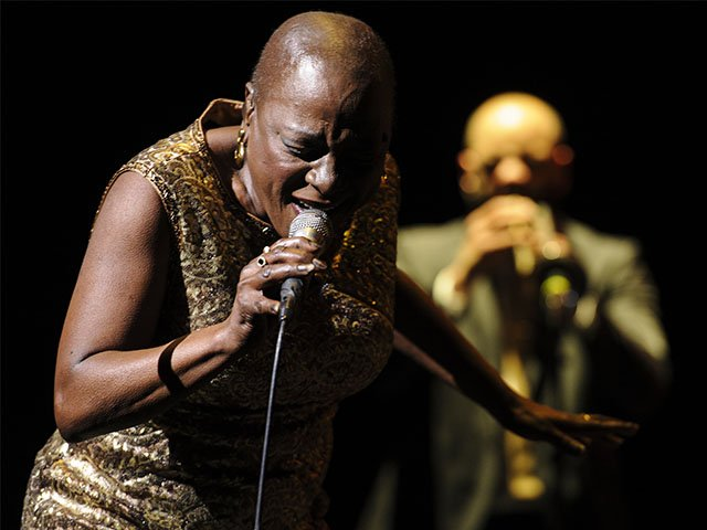 Screens-Miss-Sharon-Jones-11242016.jpg