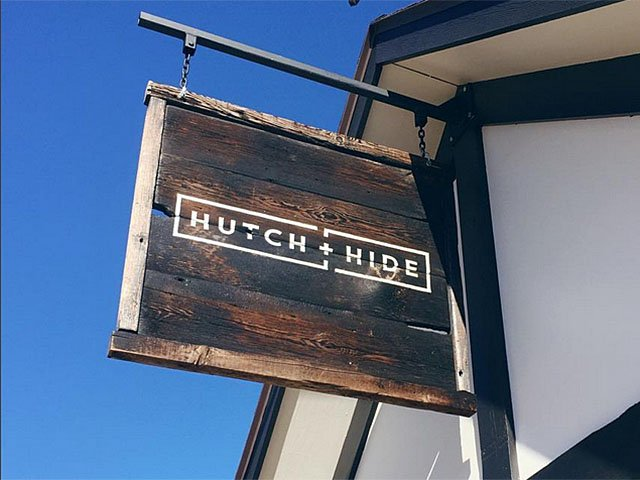 Emphasis-Hutch-Hide-sign-12082016.jpg