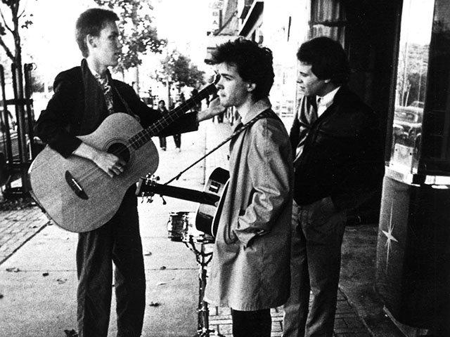 Music-Violent-Femmes-1982-12152016.jpg