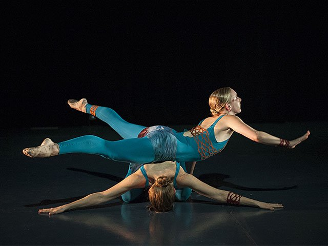 Dance-Liz-Sexe-Two-Exploring-Duos-crMaureenJansonHeintz-12222016.jpg