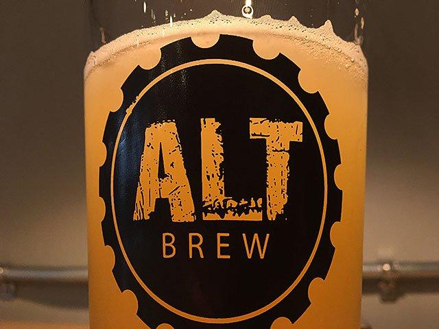 Beer-Alt-Brew-Kickback-Kolsch-crRobinShepard-01262017.jpg