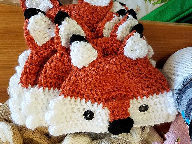 Emphasis-WaywardAppleGifts-fox-hat-01262017.jpg