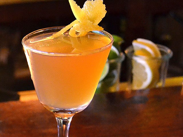 Cocktail-Forequarter-netflix-chai-crDylanBrogan-02092017.jpg