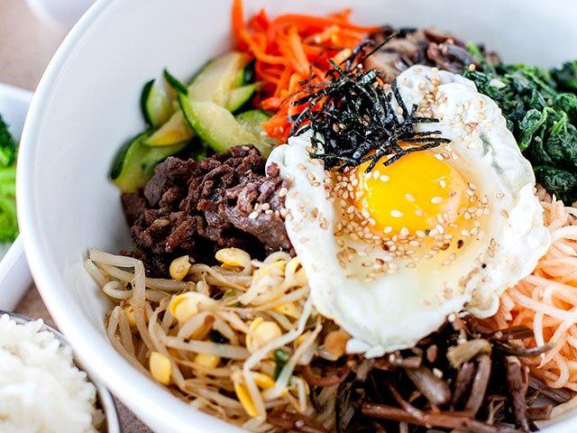 Food-five-star-Korean-BBQ-bi-bim-bap-crLauraZastrow-02162017.jpg