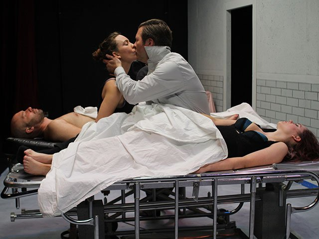 Stage-Morticians-in-Love_crJonathanRaymondPopp03022017.jpg