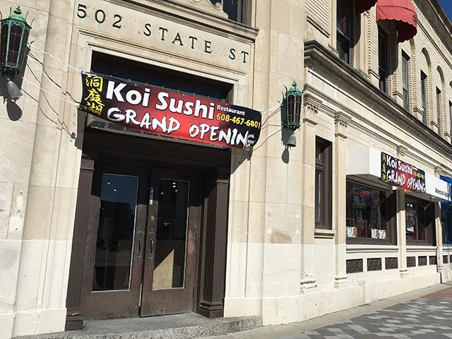 Food-opening-Koi-sushi-crLindaFalkenstein-03092017.jpg