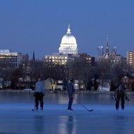pondhockey011808.jpg