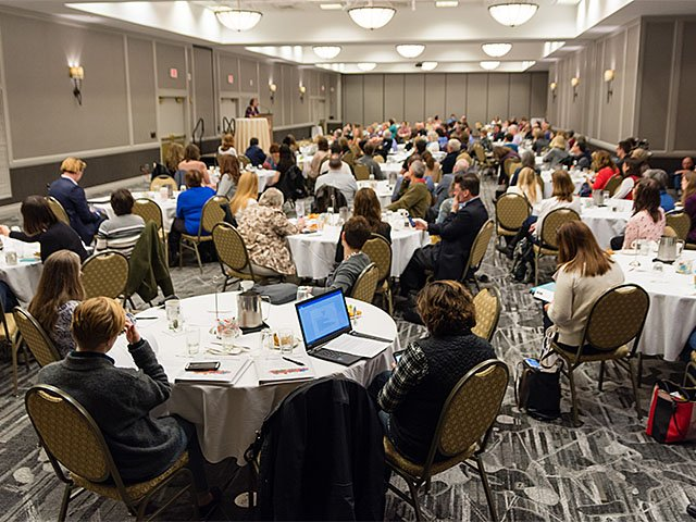 Cover-Writers-Institute-Crowd_crDavidGiroux-03302017.jpg