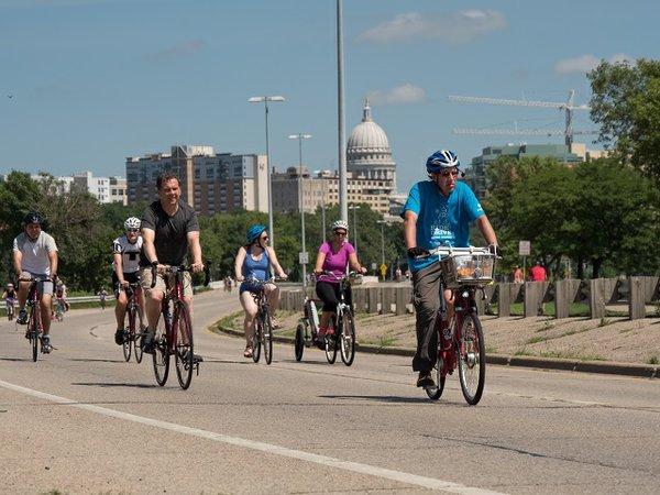 calendar-Ride-the-Drive_cr-Madison-Parks.jpg
