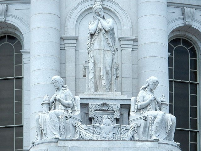 Cover-Capitol-SE-Dome-Statues_016_crDMM06292017.jpg