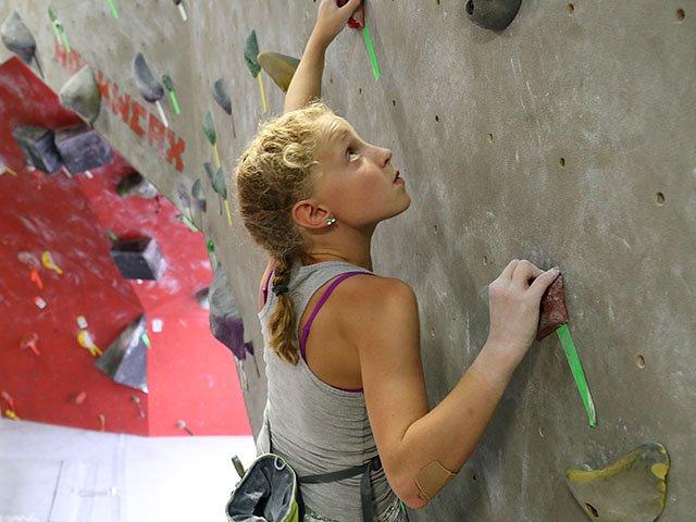Sports-Royer-Andrews-Rimona-Boulders-Gym-crAlonAndrews-08102017.jpg