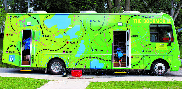 Snapshot-Dane-County-Library-Bookmobile-crJennyDuPuis-081720174.jpg
