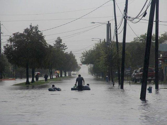 Houston-Press-Hurricane-Harvey-crDoogieRoux-08302017 (2).jpg