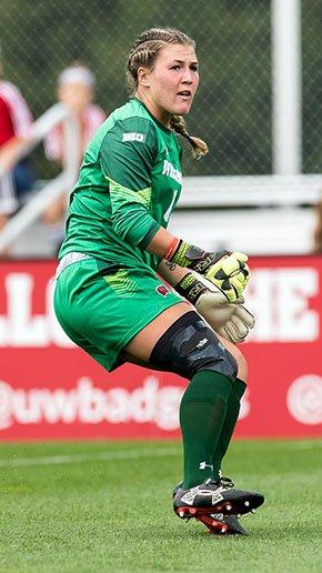 Sports-UW-Women-soccer-ClemCaitlyn-crLeonardCederholmUWAthletics-09142017.jpg