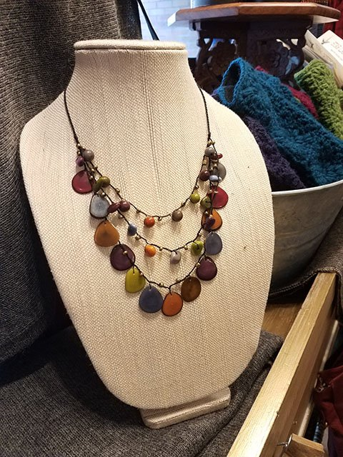 PhotoGallery_SERRV_necklace.jpg