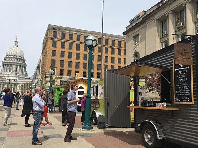 Food-Food-Carts-crLindaFalkenstein-11152017.jpg