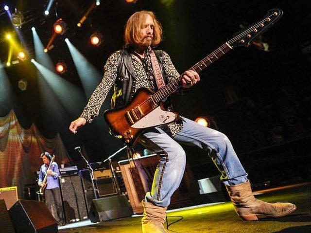Picks-Tom-Petty-tribute11232017.jpg