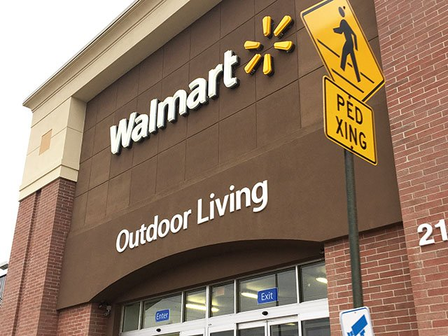 News-Walmart-Monona-crCarolynFath-11232017.jpg