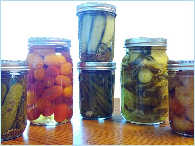 Food-Pickling-Collective-crKellyPhelps-11302017.jpg