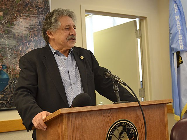 News-Soglin-governor-01102018