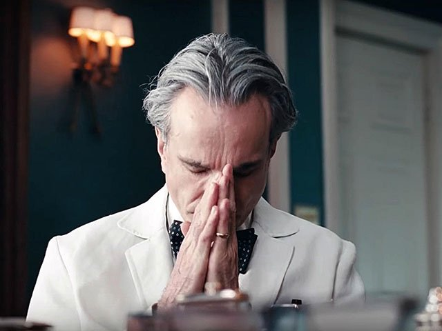 Screens-Phantom-Thread-01252018.jpg