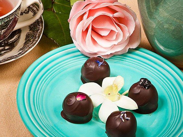 Cover-Gail-Ambrosius-Chocolatier-02082018.jpg