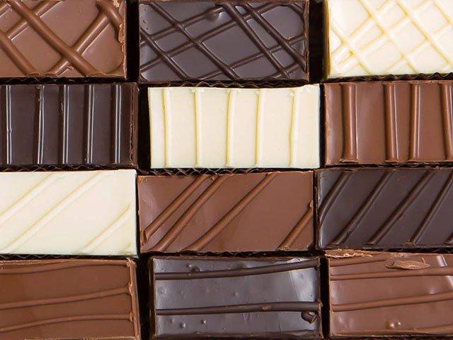 Cover-The-Chocolate-Caper-02082018.jpg