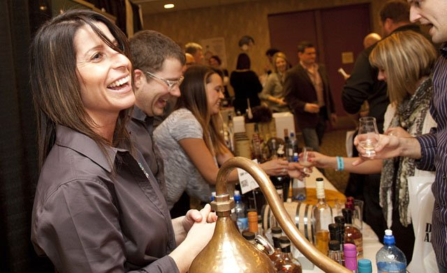 Cover-Distill-America-2014-bartender-crScottMaurer-02152018.jpg