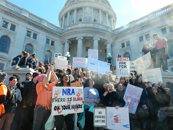 News-Student-Anti-Gun-Rally03-14-2018_crDMM008.jpg