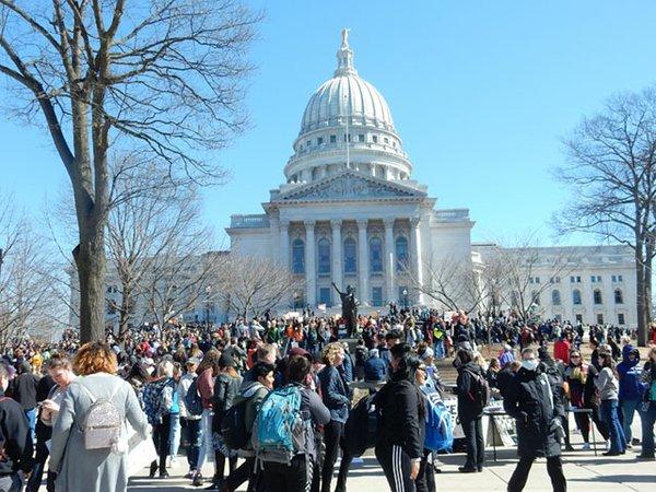 News-Student-Anti-Gun-Rally03-14-2018_crDMM002.jpg