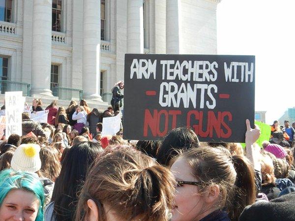 News-Student-Anti-Gun-Rally03-14-2018_crDMM005.jpg