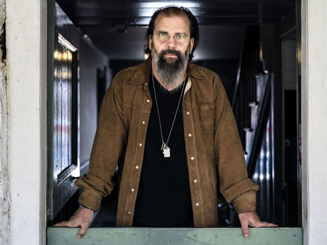 Picks-Steve-Earle_crChadBatka03222018.jpg